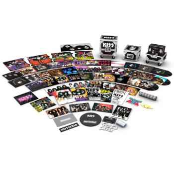 何だかKISSがすごいの発売するようです〜レコードデビュー40周年記念LP34枚ボックス・セット「KISSTERIA – The Vinyl Road Case」