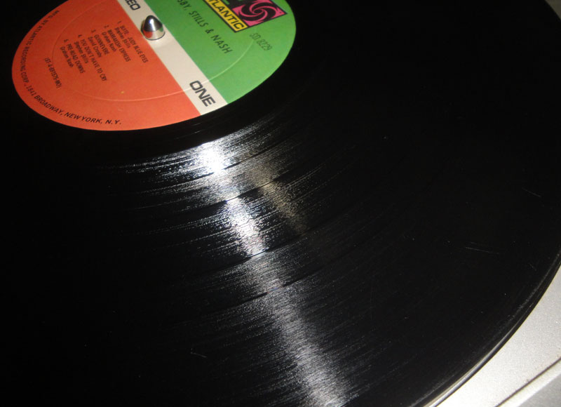 LPレコードの売上げが、ここ数年増加し続けているというニュース