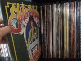 Juke Joint Jump/エルヴィン・ビショップ〜南部の香りが漂う心地の良い素朴さながらより陽気にファンキーでポップな曲も聴かれるアルバム