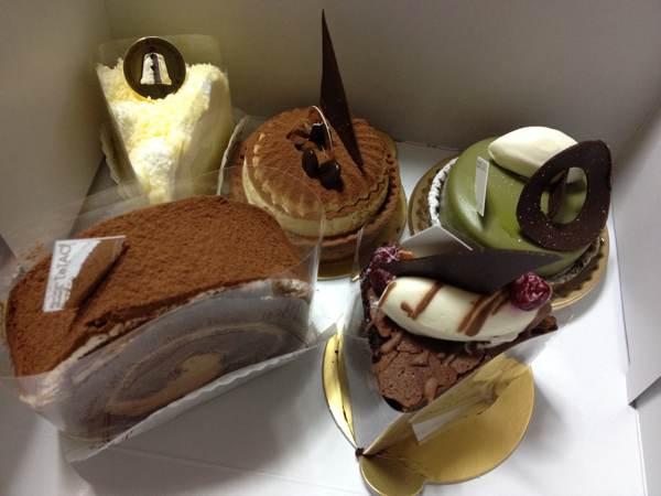 小樽のエキモルタオ(EKIMO LeTAO)でケーキ各種を買ってきました