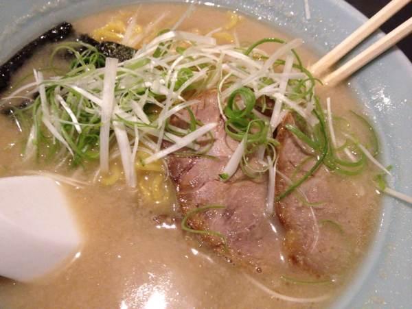 「ら~麺京や」は小樽駅から近くで、夜遅めのラーメンにも嬉しくて美味しい