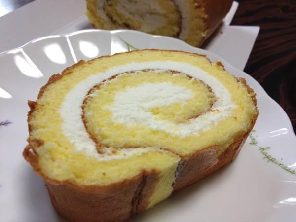 小樽洋菓子舗ルタオのロールケーキの新作「レ ドール ムー」を食べてみました
