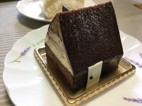 そうそう、今年のクリスマスのケーキは可愛くて美味しいルタオともりもとのケーキをバラで買ったのでその内容をちょっと紹介